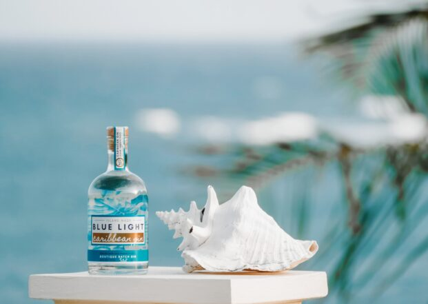Blue Light Caribbean - A Gin Story